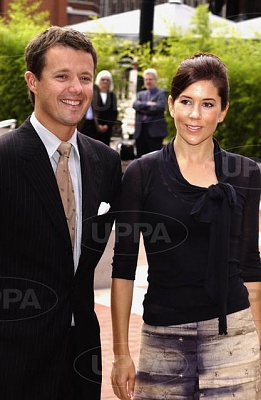 Click image for larger version  Name:2004-09-15 London 02.jpg Views:299 Size:41.3 KB ID:131715