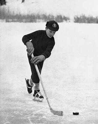 Click image for larger version  Name:hockey Brunnsviken jan 1957.jpg Views:182 Size:34.3 KB ID:132552