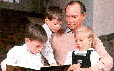 Click image for larger version  Name:Grand+Duke+Jean+and+grandsons.jpg Views:219 Size:35.8 KB ID:133528