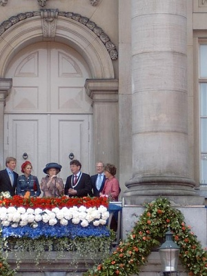 Click image for larger version  Name:koninginnedaggroningen2004.jpg Views:127 Size:44.6 KB ID:133883