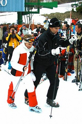 Click image for larger version  Name:skiing.jpg Views:5752 Size:42.0 KB ID:134366