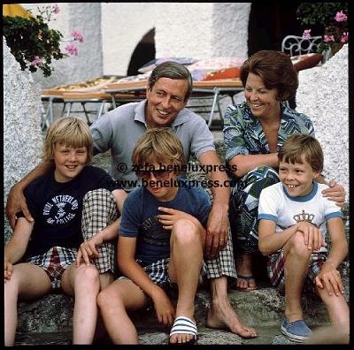 Click image for larger version  Name:1978__beatrix__claus__constantijn__johan_friso__porte_ercole__willem_alexander__zomervakantie.JPG Views:904 Size:61.6 KB ID:13489