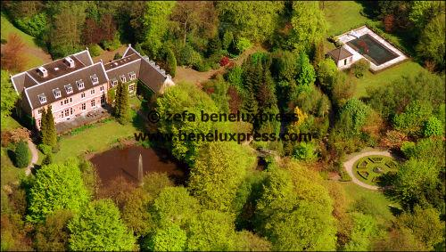 Click image for larger version  Name:willem_alexander__2001__de_horsten__luchtfoto__maxima__wassenaar._1.JPG Views:3368 Size:48.5 KB ID:13907