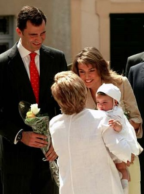 Click image for larger version  Name:2005-05-10T150150Z_01_PDM04D_RTRIDSP_2_SPAIN-ROYALS.jpg Views:187 Size:16.5 KB ID:140085
