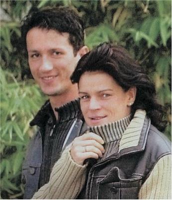 Click image for larger version  Name:Adans & Stephanie kurz nach der Hochzeit.JPG Views:491 Size:57.7 KB ID:144388