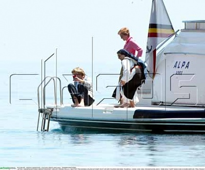 Click image for larger version  Name:AP-PAOLA-YACHT-SI05.jpg Views:129 Size:24.1 KB ID:145131