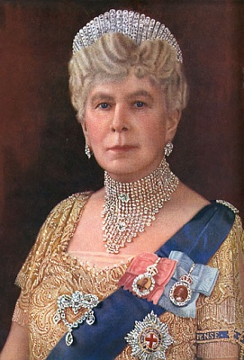 Click image for larger version  Name:Queen Mary Bejewlelled1.jpg Views:2638 Size:83.6 KB ID:146310