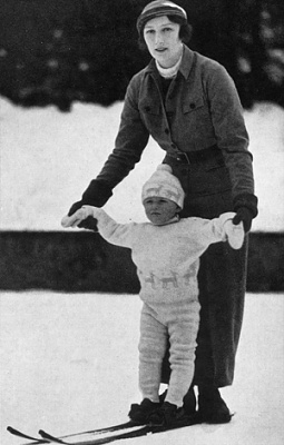 Click image for larger version  Name:1934skiingwithmother.jpg Views:287 Size:80.3 KB ID:148382