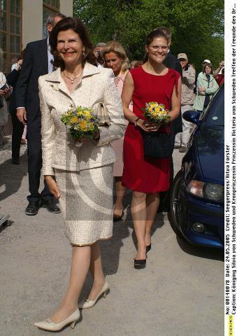 Click image for larger version  Name:DT vänner 24 maj 2005_14.jpg Views:92 Size:37.3 KB ID:149541