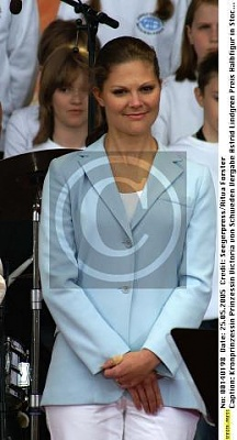 Click image for larger version  Name:ALMA 25 maj 2005_2.jpg Views:277 Size:23.7 KB ID:150114