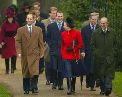 Click image for larger version  Name:royalfamily_group.jpg Views:535 Size:25.4 KB ID:1537