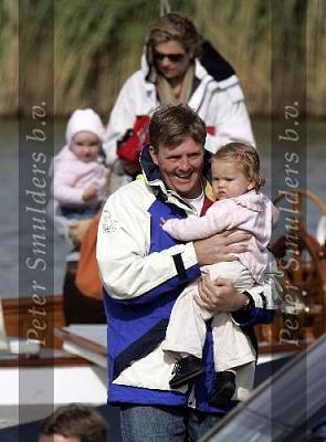 Click image for larger version  Name:Prins Willem Alexander 0406059694.jpg Views:293 Size:38.7 KB ID:154896