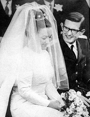 Click image for larger version  Name:1967-01-10 Margriet & Pieter 03.JPG Views:3693 Size:51.0 KB ID:155498