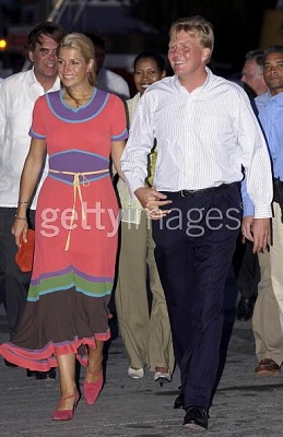Click image for larger version  Name:W-A and Maxima Antilles visit 2.jpg Views:4979 Size:38.1 KB ID:156138