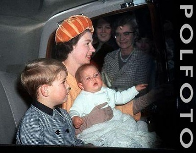 Click image for larger version  Name:riding_in_car_with_mom.jpg Views:188 Size:27.7 KB ID:15773