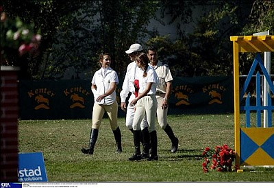 Click image for larger version  Name:29_Elena_Horse_10.jpg Views:176 Size:45.6 KB ID:16296