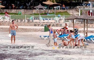 Click image for larger version  Name:cristina_praia2.JPG Views:217 Size:46.3 KB ID:166043