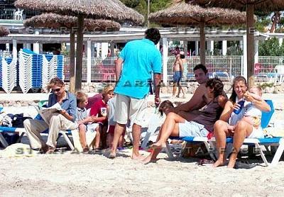 Click image for larger version  Name:cristina_praia3.JPG Views:200 Size:52.1 KB ID:166044