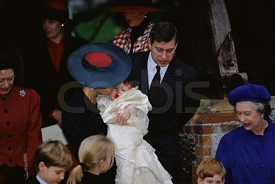 Click image for larger version  Name:christening2.jpg Views:559 Size:39.6 KB ID:16645