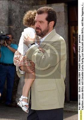 Click image for larger version  Name:Jesús Ortiz met zijn kleindochter Carla.jpg Views:382 Size:28.5 KB ID:167001