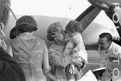 Click image for larger version  Name:6 Polfoto 24-07-1966 5 Dronning Anne-Marie og prinsesse.jpg Views:551 Size:32.5 KB ID:167215