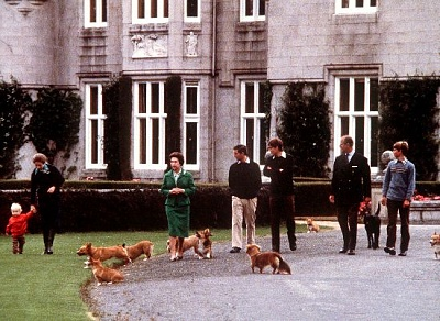 Click image for larger version  Name:Anne, Peter, QE, PoW, Andrew, Philip, Edward  1979.jpg Views:239 Size:63.8 KB ID:171164