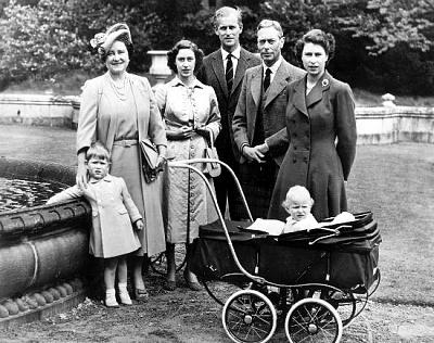 Click image for larger version  Name:PoW, QM, Margaret, Philip, George VI, QE & Anne 1951.jpg Views:234 Size:68.2 KB ID:171170
