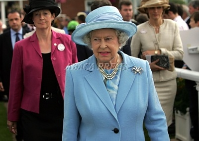 Click image for larger version  Name:TheQueen23rdJuly.jpg Views:189 Size:126.7 KB ID:172511