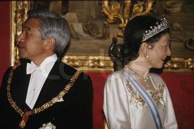 Click image for larger version  Name:Empress Michiko Tiara.jpg Views:615 Size:41.4 KB ID:173650