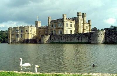 Click image for larger version  Name:UK Leeds Castle1 (2).jpg Views:265 Size:48.2 KB ID:173915