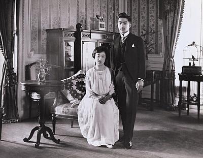 Click image for larger version  Name:Hirohito & Nagako 1925.jpg Views:1248 Size:94.7 KB ID:174172