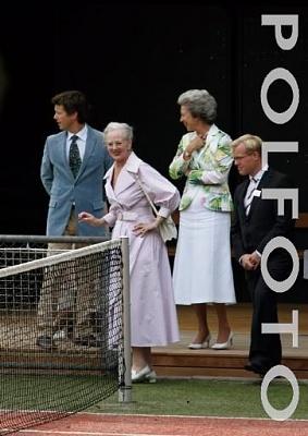 Click image for larger version  Name:Royal Family at Graasten 13.jpg Views:511 Size:31.0 KB ID:176014