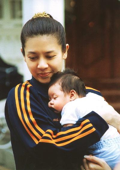 Click image for larger version  Name:Thai+Prince+Vajiralongkorn+016.jpg Views:1123 Size:48.7 KB ID:179257