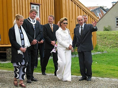Click image for larger version  Name:kjeldsen_dronning001_w.jpg Views:204 Size:68.7 KB ID:181117