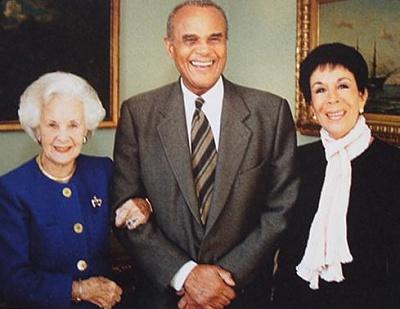 Click image for larger version  Name:Harry Belafonte & fru.jpg Views:287 Size:26.2 KB ID:186446