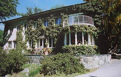 Click image for larger version  Name:Villa Solbacken.jpg Views:239 Size:50.8 KB ID:186600