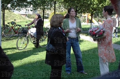 Click image for larger version  Name:CPss visits Danish refugee vol 8-29 5.jpg Views:414 Size:42.3 KB ID:187017