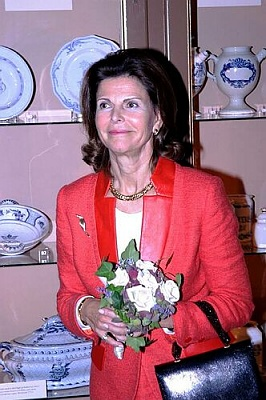 Click image for larger version  Name:01_Queen_Silvia_14.jpg Views:262 Size:42.8 KB ID:18849