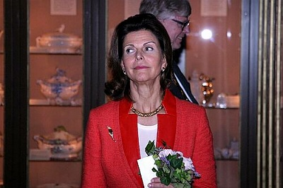 Click image for larger version  Name:01_Queen_Silvia_11.jpg Views:243 Size:31.2 KB ID:18851