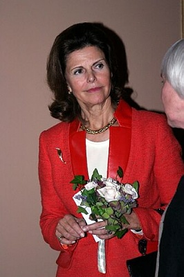 Click image for larger version  Name:01_Queen_Silvia_13.jpg Views:252 Size:26.7 KB ID:18852