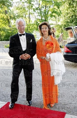 Click image for larger version  Name:Lilian 90årsdag 2005_2.jpg Views:386 Size:39.8 KB ID:188626