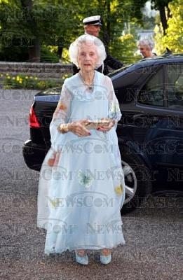 Click image for larger version  Name:Lilian 90årsdag 2005_10.jpg Views:346 Size:34.7 KB ID:188636