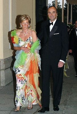 Click image for larger version  Name:Astrid da Bélgica e Principe Lorenz.jpg Views:450 Size:47.0 KB ID:189141