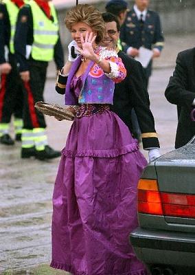 Click image for larger version  Name:Princesa Tessa von Bayern.jpg Views:439 Size:47.8 KB ID:189150