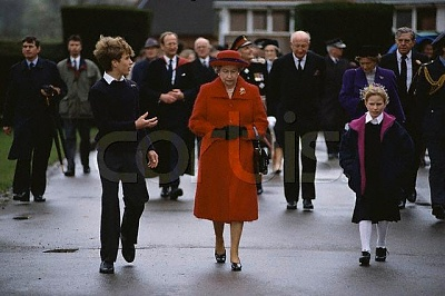 Click image for larger version  Name:Queen, Zara and Peter.jpg Views:2550 Size:42.7 KB ID:189295