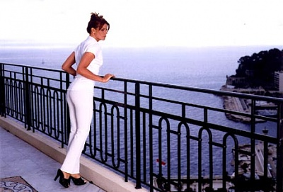 Click image for larger version  Name:stephaniemonaco9.jpg Views:331 Size:34.7 KB ID:1993