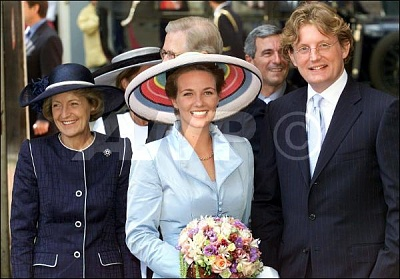 Click image for larger version  Name:Bernhard Jr & Annette wedding July 2000_1.jpg Views:1042 Size:45.8 KB ID:200054