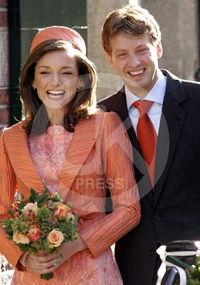 Click image for larger version  Name:Prince_Floris_Wedding_9-UKP.jpg Views:273 Size:50.3 KB ID:204477
