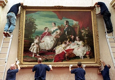 Click image for larger version  Name:Adjusting painting, East Gallery.jpg Views:264 Size:56.9 KB ID:205005