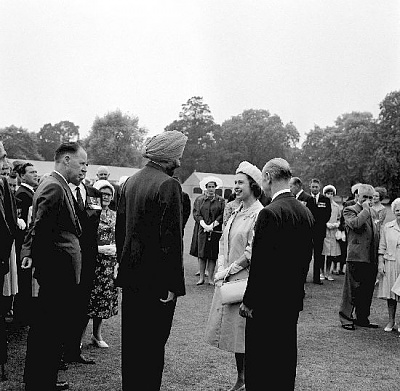 Click image for larger version  Name:Garden Party, Victoria and George Cross Association Jul 1962.jpg Views:242 Size:60.2 KB ID:205044
